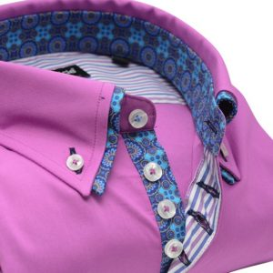 Men's pink slim fit shirt with blue paisley double collar upclose
